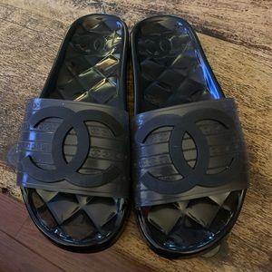Chanel slides, black